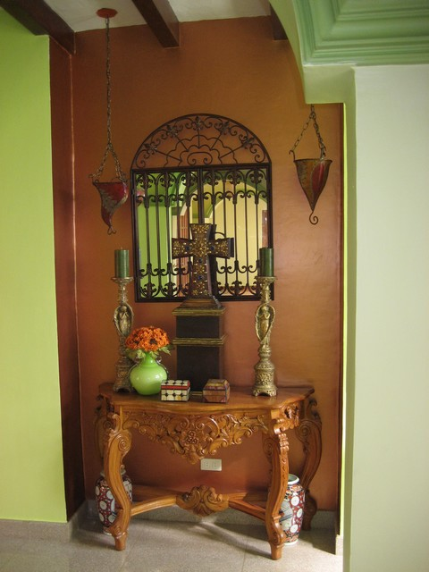 Foyer mirror detail